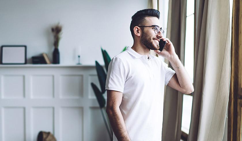 agent on phone